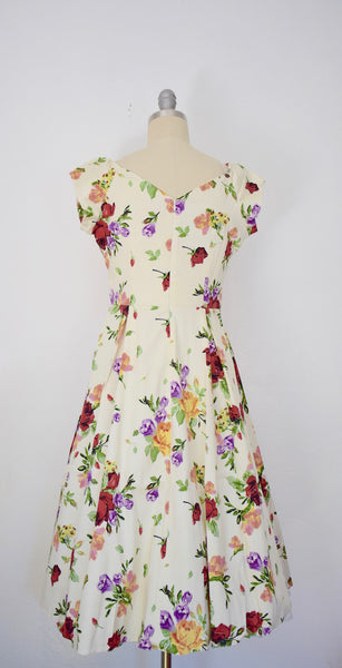 1950s Style Vintage Inspired Red Rose Floral Swing Dress