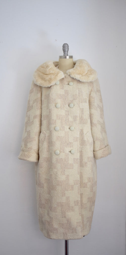 Vintage A. Howard Jeune Paris Creme Tweed Fur Collar Coat