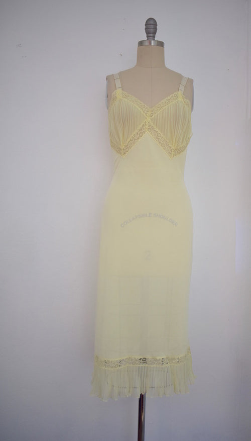 Vintage 1960s Yellow Lace Nightgown