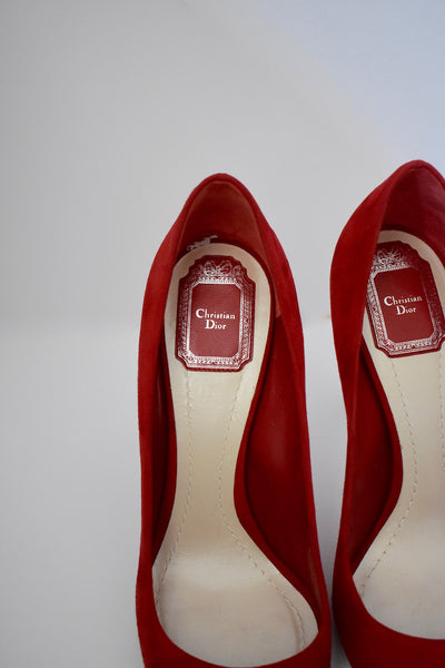 Designer Christian Dior Red Hot Cherry Chèvre Suede Pumps