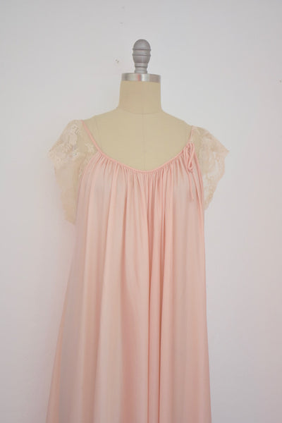 Vintage 1970s  Windy Rose Pink Nightgown