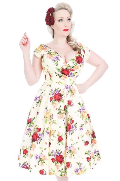 c2823aa4d5ef 1950s Style Vintage Inspired Red Rose Floral Swing Dress