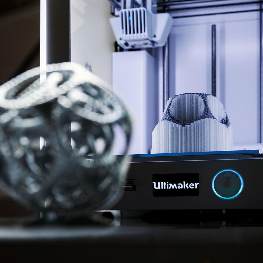 Ultimaker 3 dual extrusion print gyro with water-soluble PVA