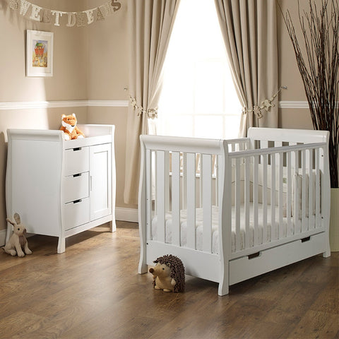 Obaby 2 piece furniture (cotbed / dresser)