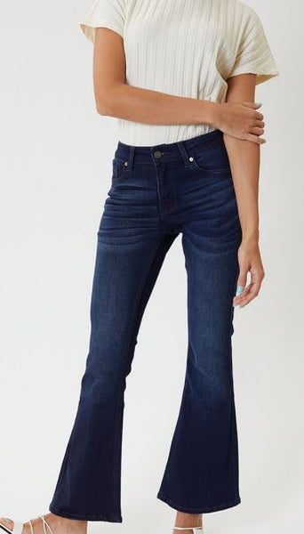 PETITE MID RISE FLARE JEANS