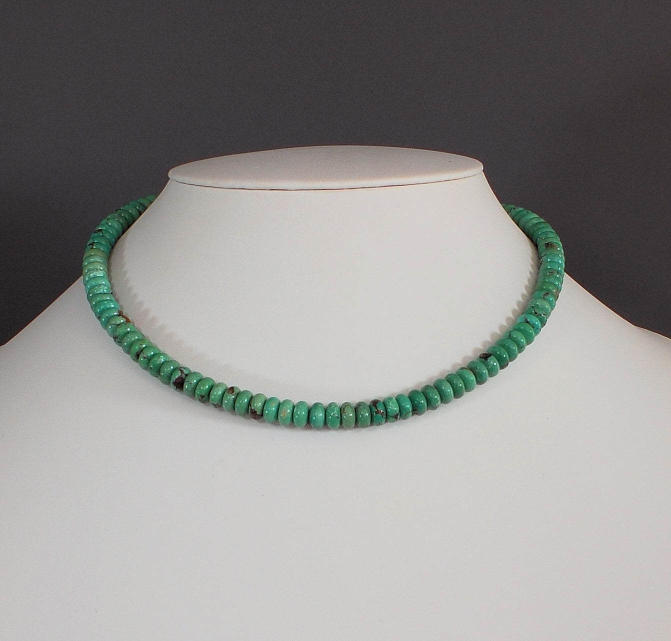 Turquoise Bead Choker-length Necklace