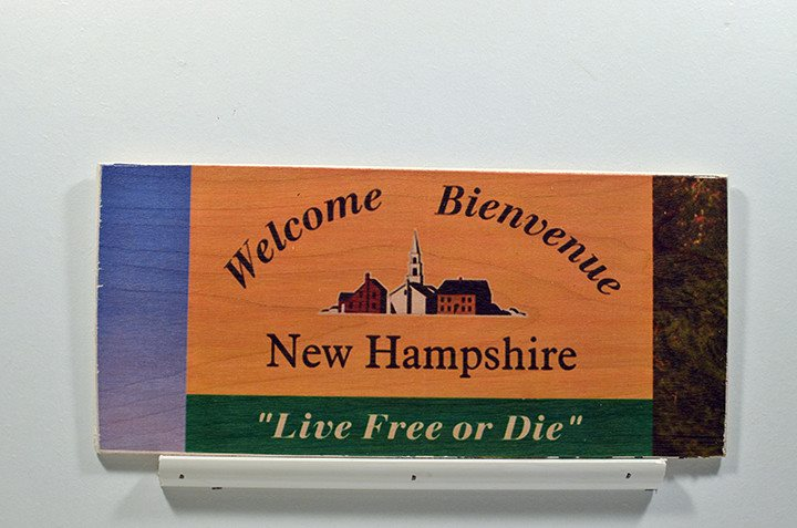 Wooden Wall Sign 10x5 - C016 - Welcome to NH - Wall Sign - Wicked Good Candle and Decor - 1