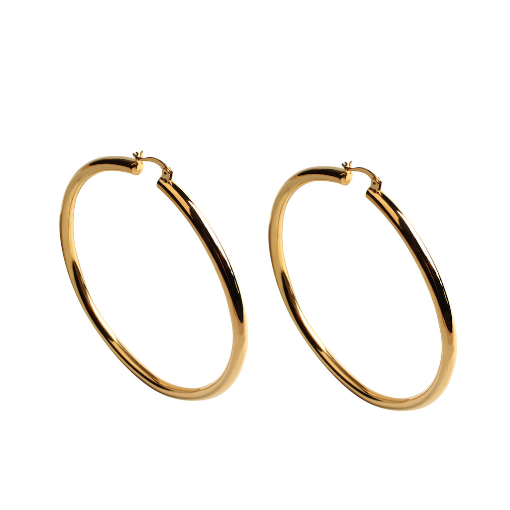 LARGE HOLLOW HOOP EARRING IN GOLD