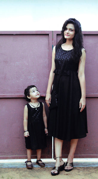 Black Mother Daughter Dress Combo With Matching Purse