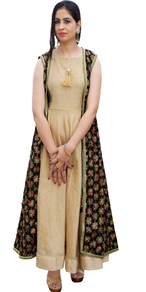 Shop designer Indian hand embroidered fashion gowns & maxi dresses with jackets at the best rates in the USA & Canada. Beige golden cotton silk full length sleeveless dress black chiffon jacket Punjabi Phulkari sequins work Anarkali flared Ethnic handmade buy traditional wedding party handmade custom style Darpaha Sale