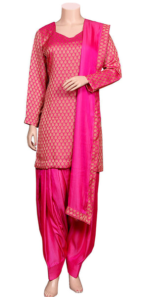 Buy designer patiala salwar & kameez suits at the best rates in the USA & Canada. Hot Pink Banarasi Jacquard Silk kurti & Viscose silk salwar & dupatta lace border short full sleeves Ethnic Indian traditional wedding party festival panjabi outfit lohri jaago shop online fashion stylish Darpaha Sale