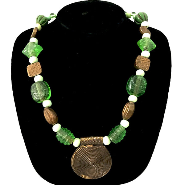 Green & white Beads with Lakh/lac Pendants necklace Jewelry