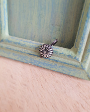 GEOMETRIC NOSE PIN