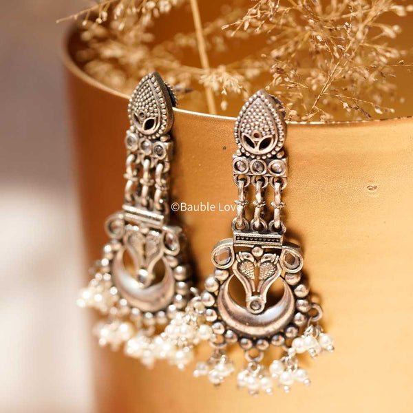 ROOH EARRINGS (WHITE)