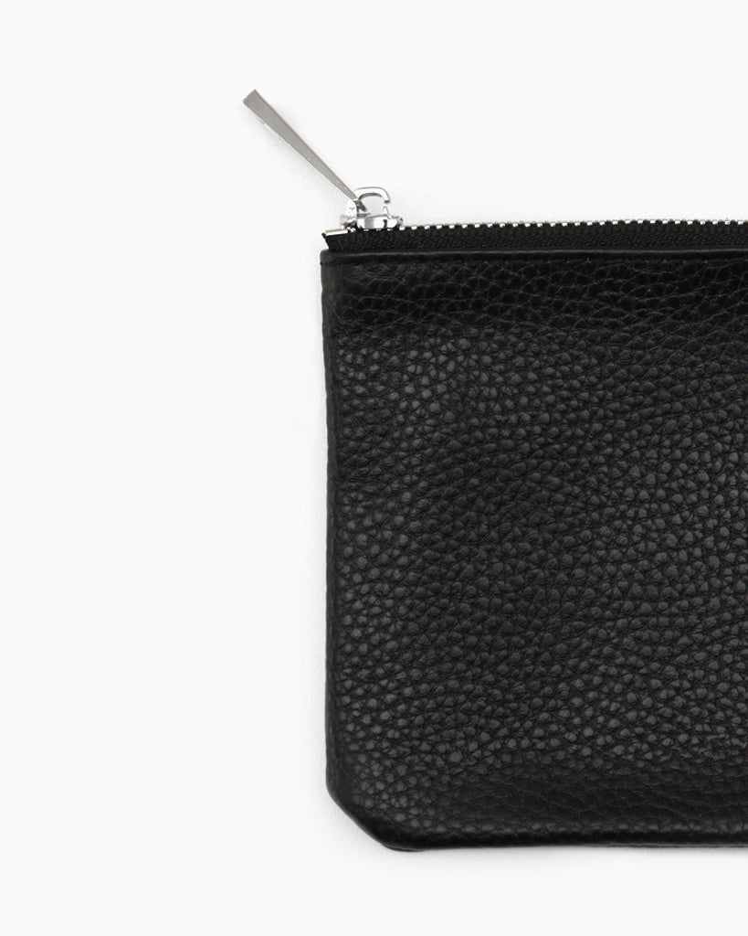 Simple zip purse black