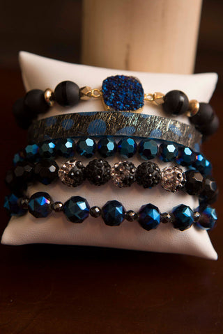 Erimish Gift Set Box of 5 bracelets - Blue and Black