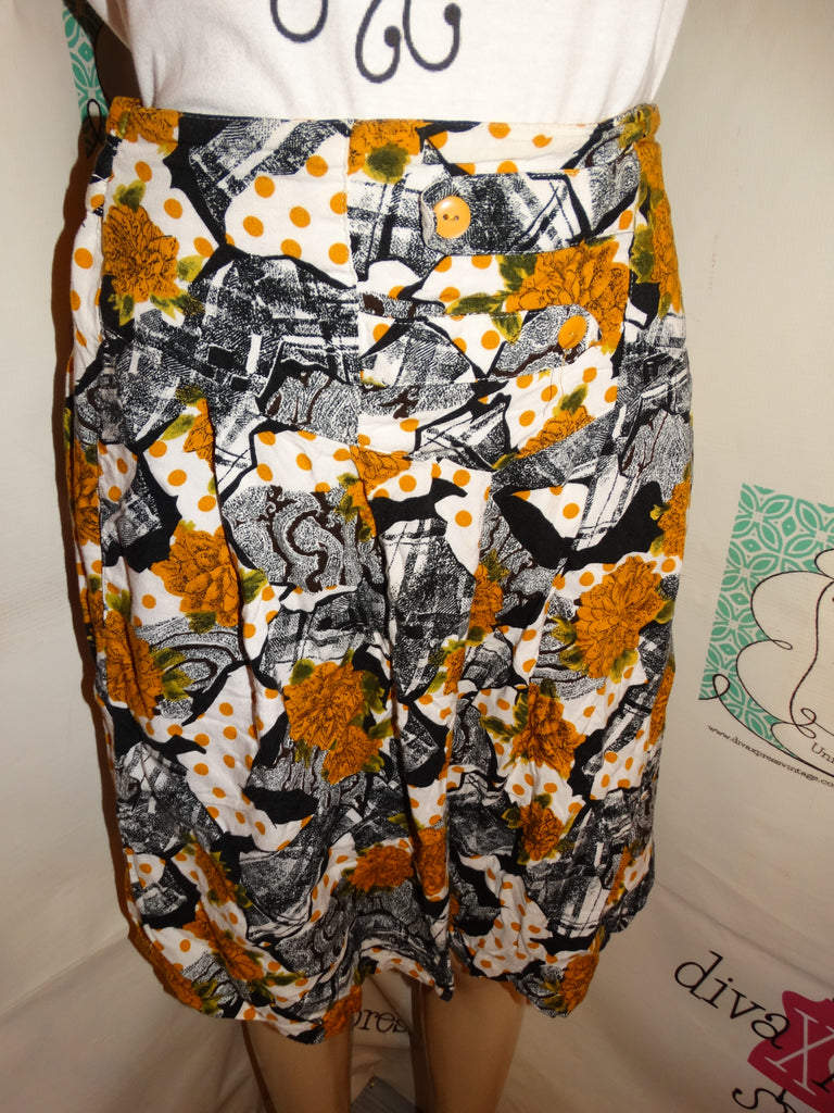Vintage Payal  Black/White Floral Shorts Size XL