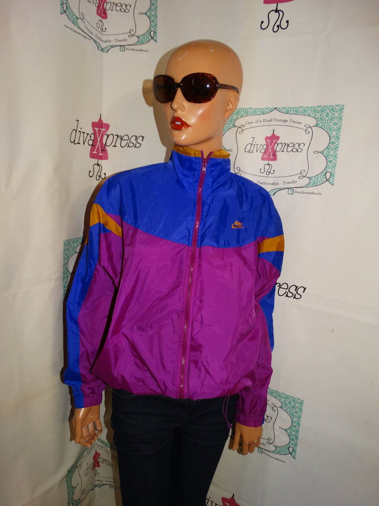 Vintage Nike Jacket Size M ( With Hood)