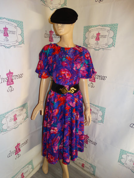 Vintage Purple/Pink Colorful Dress (Belt/Accessories Not Included) Size M