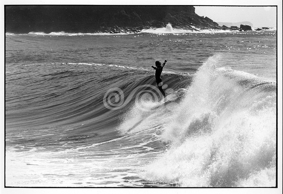 60's Style - Ian Usher surfing @ rock pools