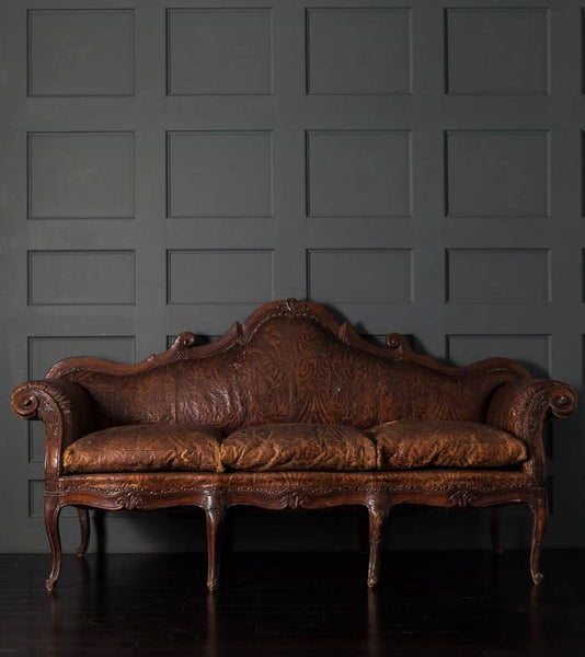 Italian 18th Century Sofa with Venetian pressed leather upholstery