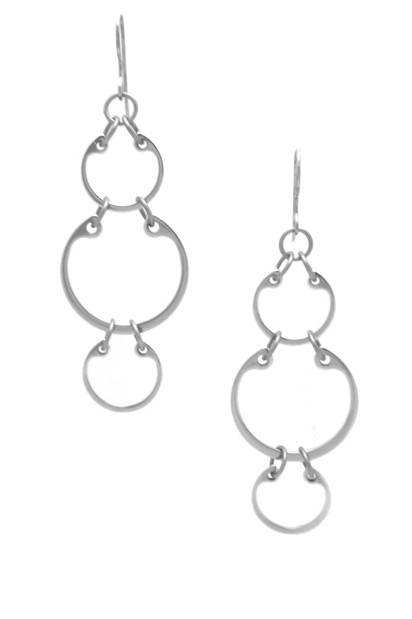 Large Alternating Earrings by Wraptillion: linked chain circle dangle earrings in alternating sizes