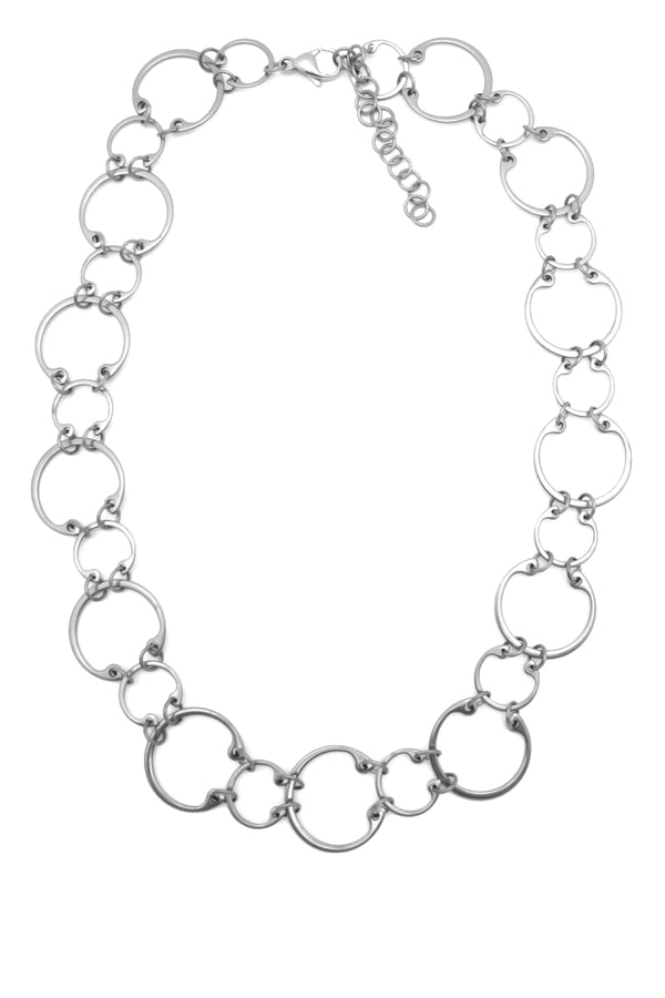 Alternating Necklace by Wraptillion: a linked circle chain necklace in alternating sizes