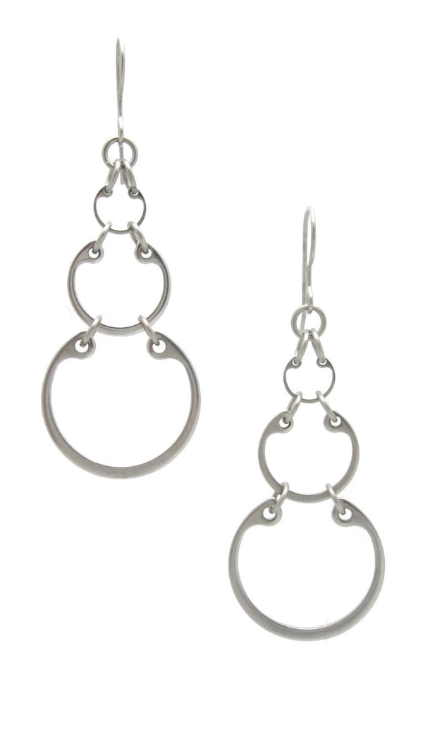 Graduated linked circles small earrings by Wraptillion; always classic, never boring.