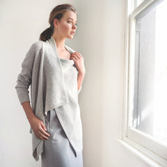 ELISABETTA LUXE CARDIGAN LUXURY 5 GUAGE YARN - SOFT GREY