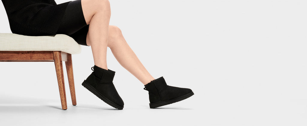 UGG Boot - Classic Mini II - Black - Macaroon Collection