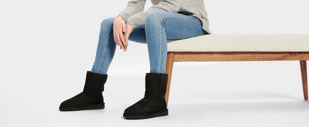 UGG Boot - Classic Short II - Black - Macaroon Collection