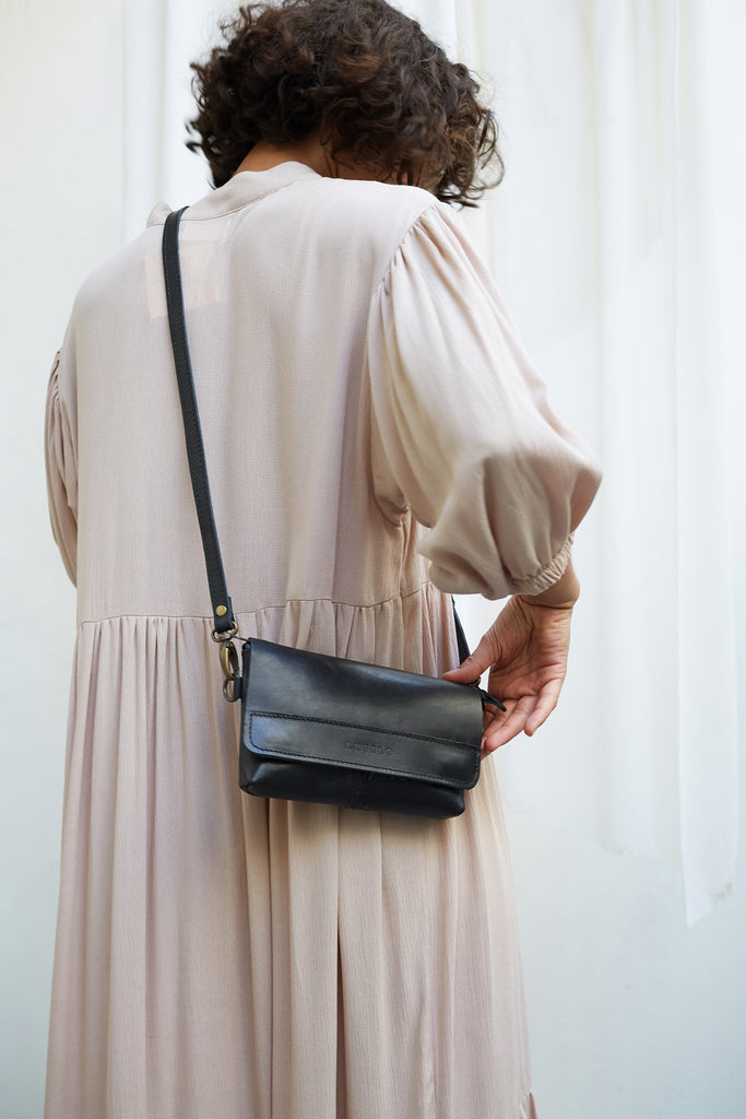 Antelo Alfi Leather Crossbody Sling Pouch - Black - Macaroon Collection
