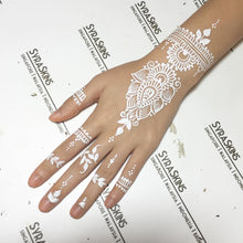 Load image into Gallery viewer, Henna Class 8 - White Henna (3 Hours) - SyraSkins