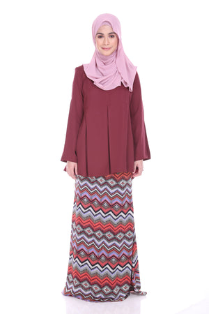 Maryam Kurung in Maroon - moderee - 2