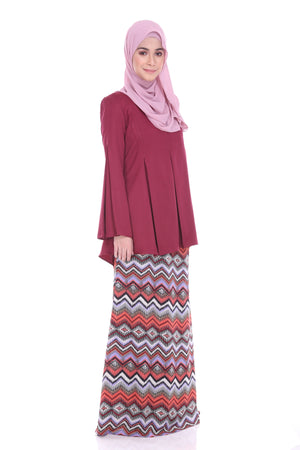 Maryam Kurung in Maroon - moderee - 1