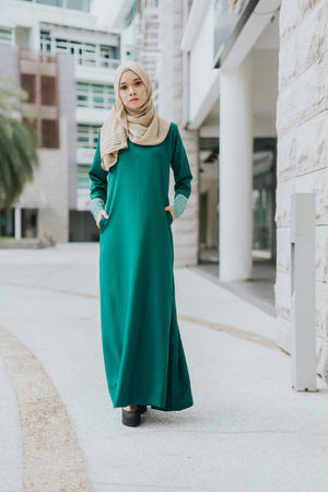 Izzah Jubah in Fern Green - moderee - 2