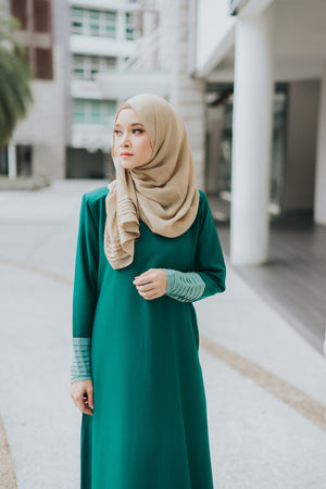 Izzah Jubah in Fern Green - moderee - 1