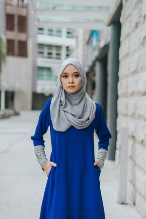 Izzah Jubah in Persian Blue - moderee - 1