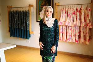 Fiona Lace Kurung in Navy