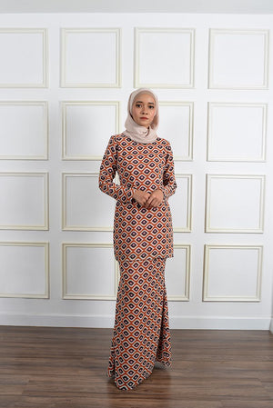 Melora Kurung in Soft Brown