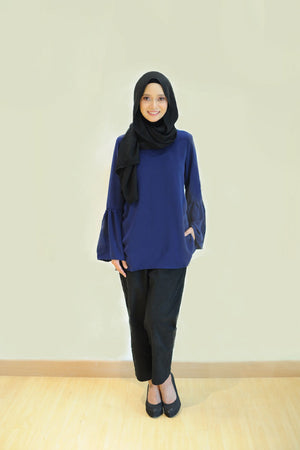 Daisy Blouse in Navy Blue