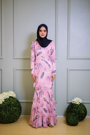 Irina Kurung in Soft Pink