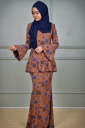 Suri Kurung in Brown