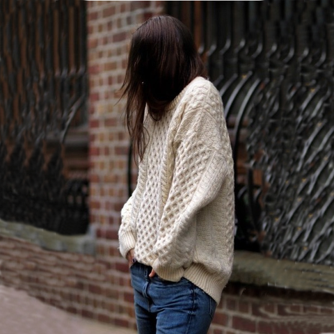 Fashion round neck long-sleeved knit sweater