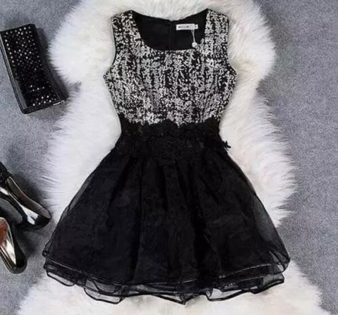 Slim Sleeveless Round Neck Black Lace Dress