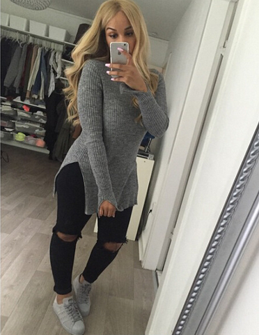 High-necked long-sleeved sweater