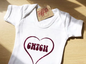 Cwtch Glitter Heart - Welsh Baby Grow