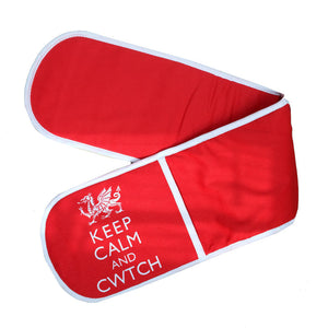Keep calm and cwtch oven gloves