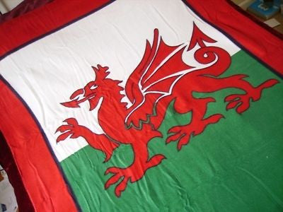 Bedroom/ lounge Welsh Flag Fleece Blanket - OPEN