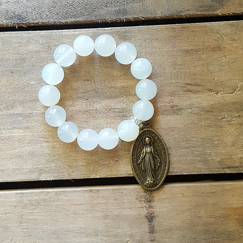 protection bracelet powder white jade beads XL oval brass Miraculous Mary medal